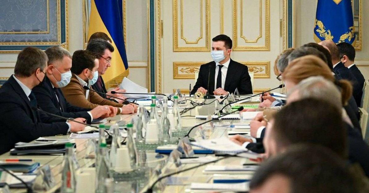 СНБО сегодня ввел санкции против более 60 человек, - ОП