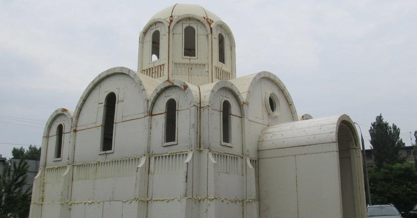 В Херсоне за несколько часов построили церковь