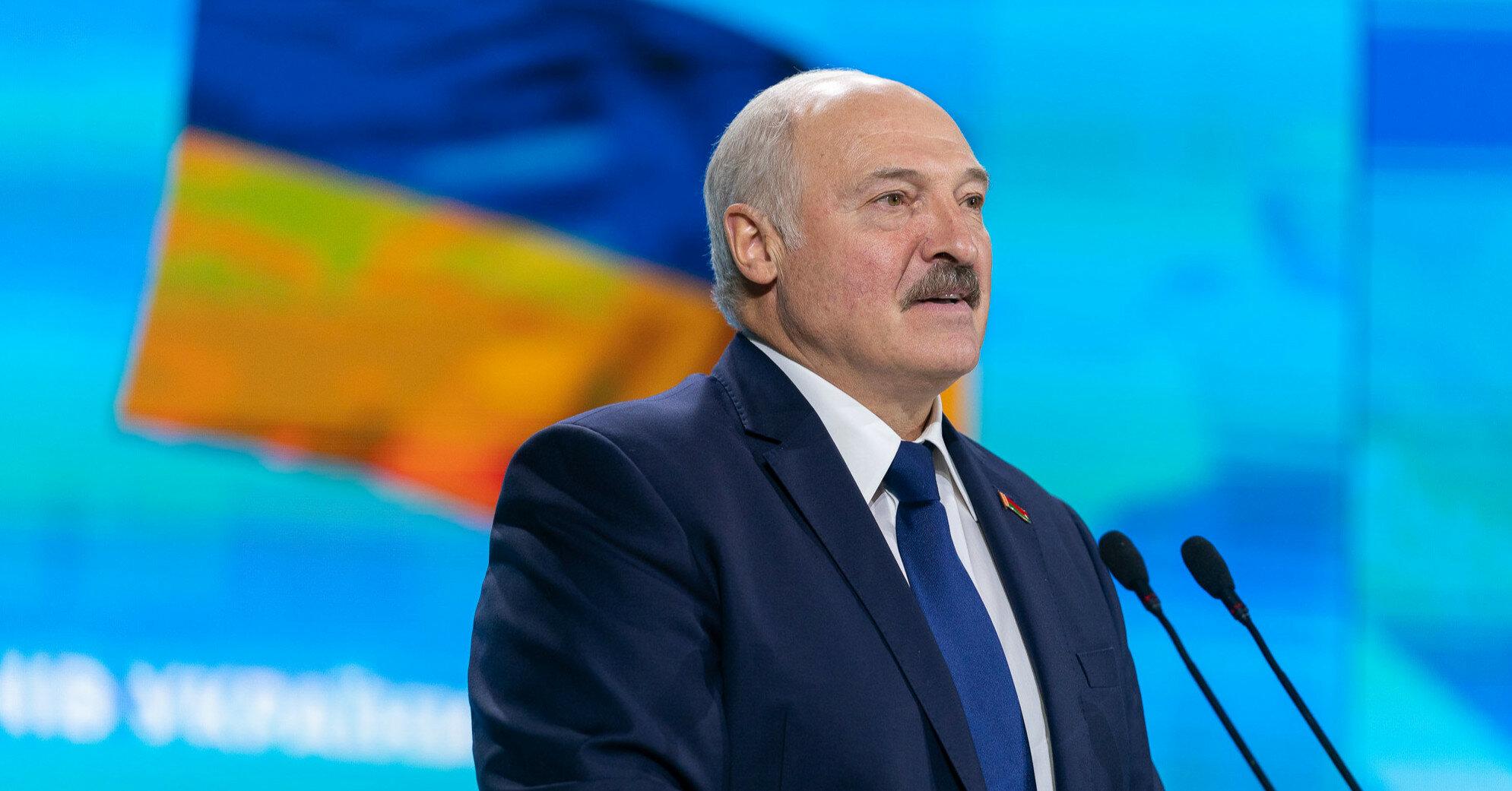 Лукашенко приказал полностью перекрыть границу с Украиной