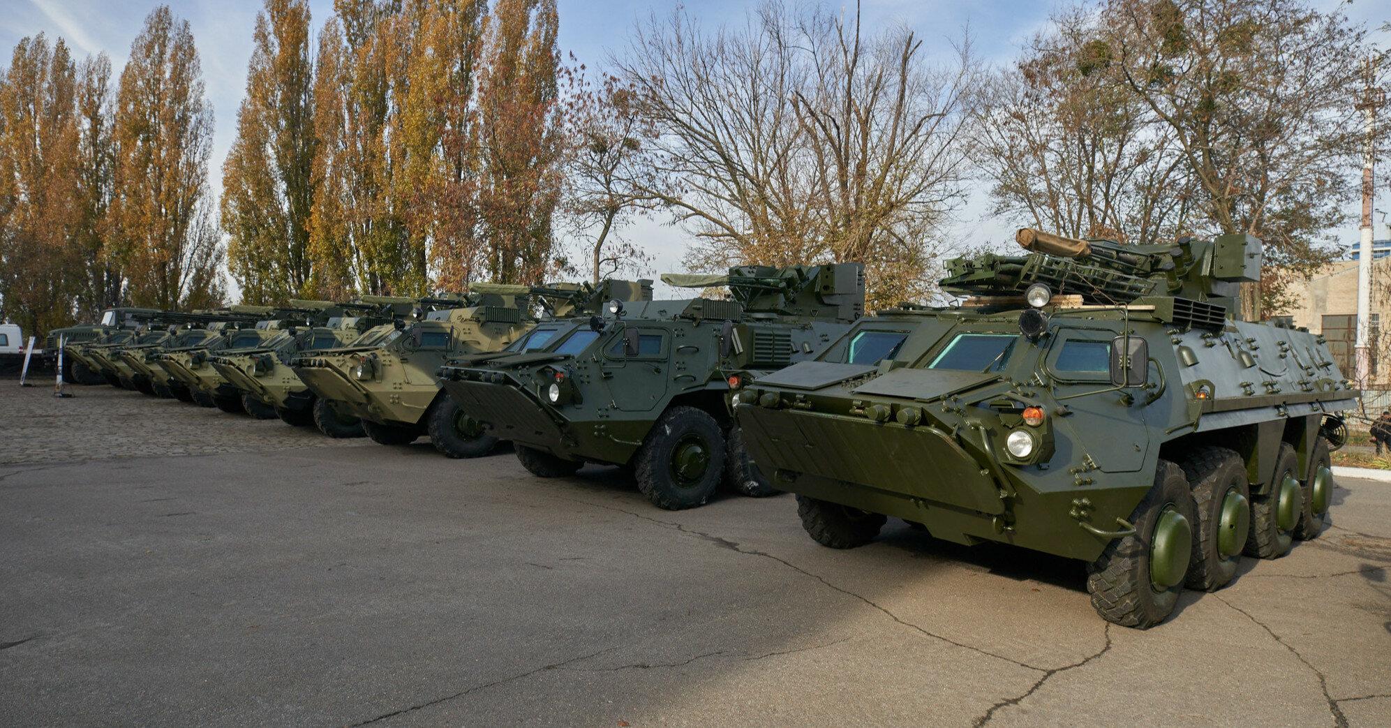 РФ провела учения танкистов в Крыму на фоне маневров НАТО