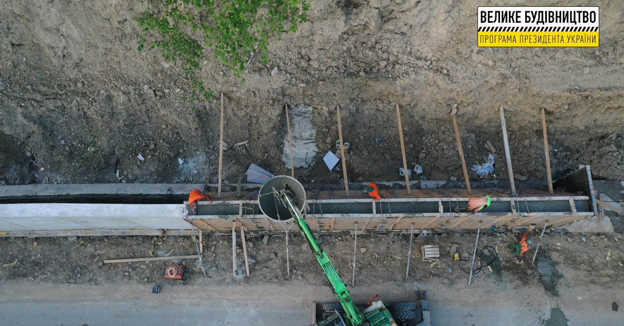 """Фінішує """"Велике будівництво"""" однієї з найдовших підпірних стінок"""