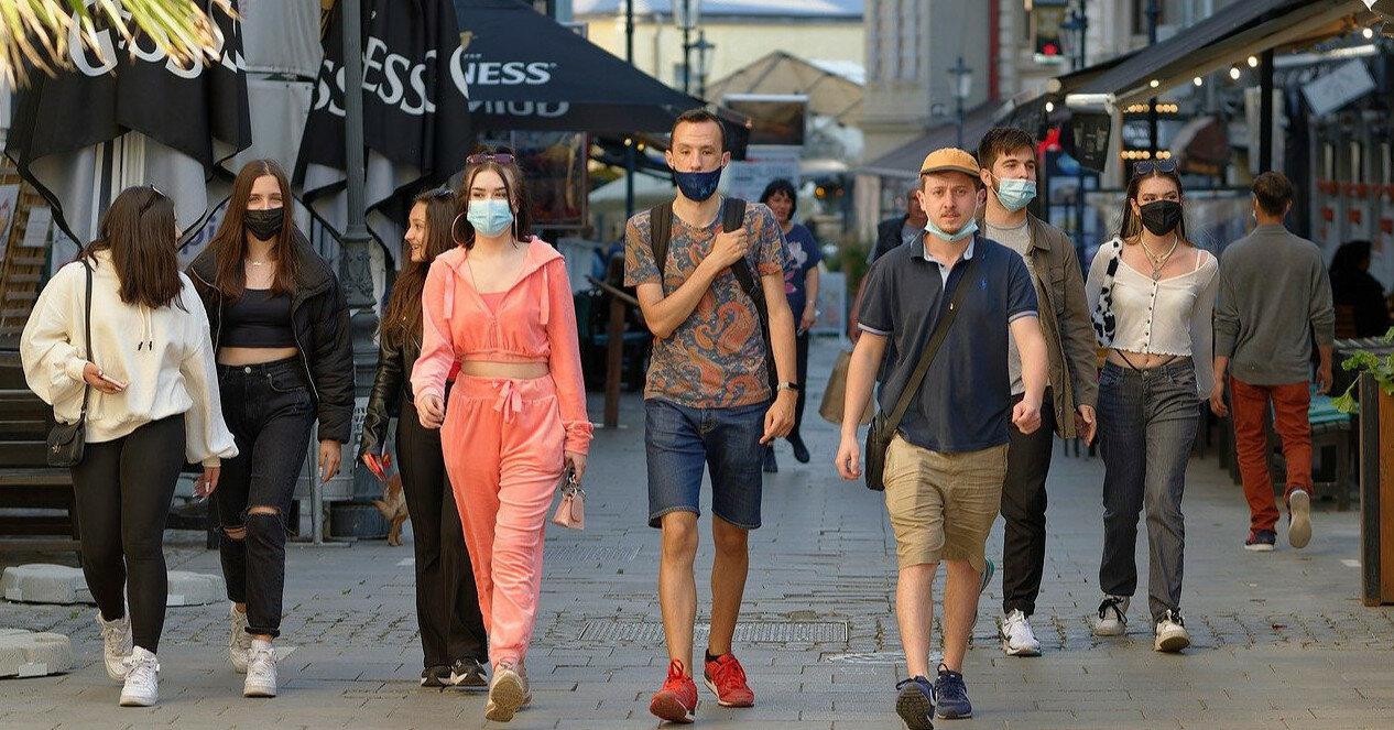Франция заявила о начале четвертой волны пандемии