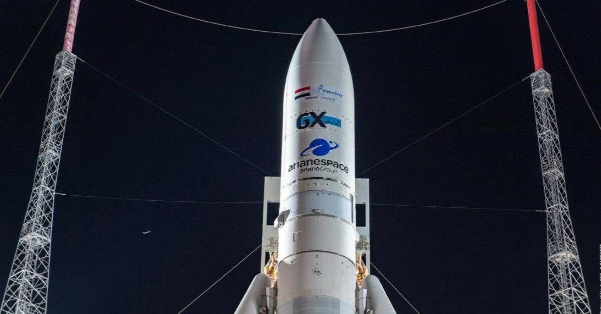 На орбиту вывели перепрограммируемый спутник связи