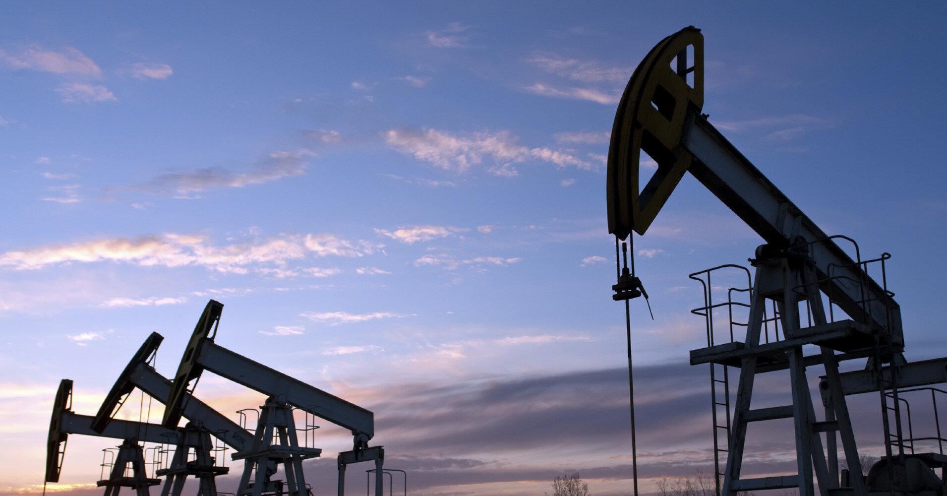 Нефть подешевела до рекордного уровня