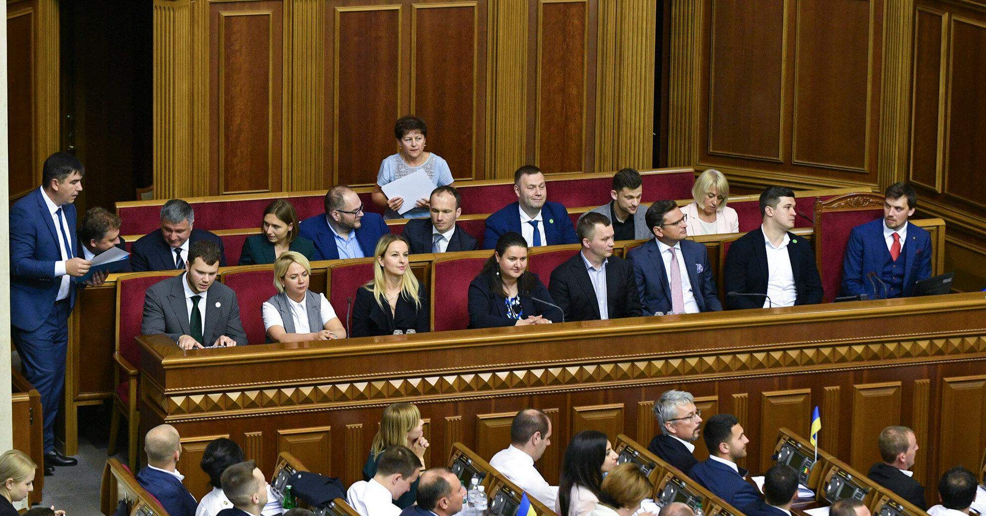 """""""Слуги"""" готовы в четверг сменить министра МВД"""