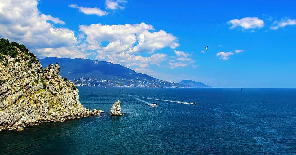 В Крыму могут досрочно закрыть туристический сезон