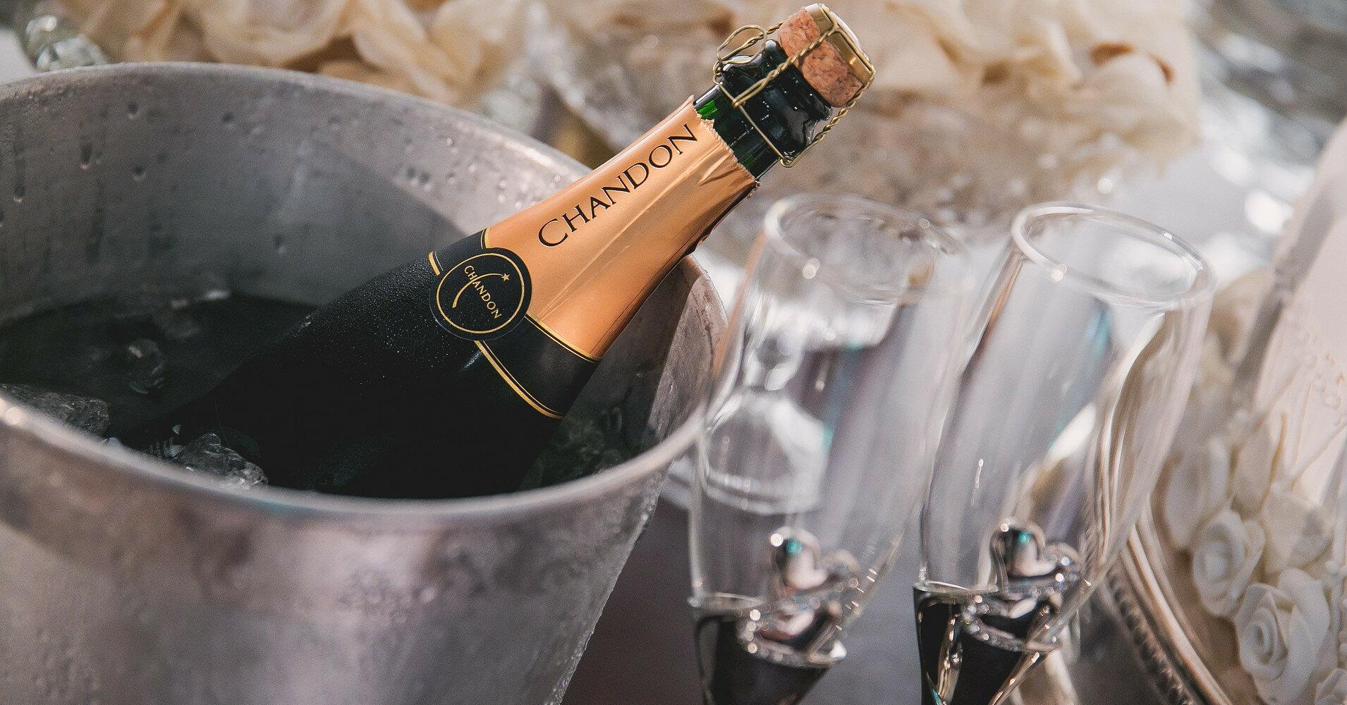 """В России """"шампанским"""" будут называть только вина своего производства"""