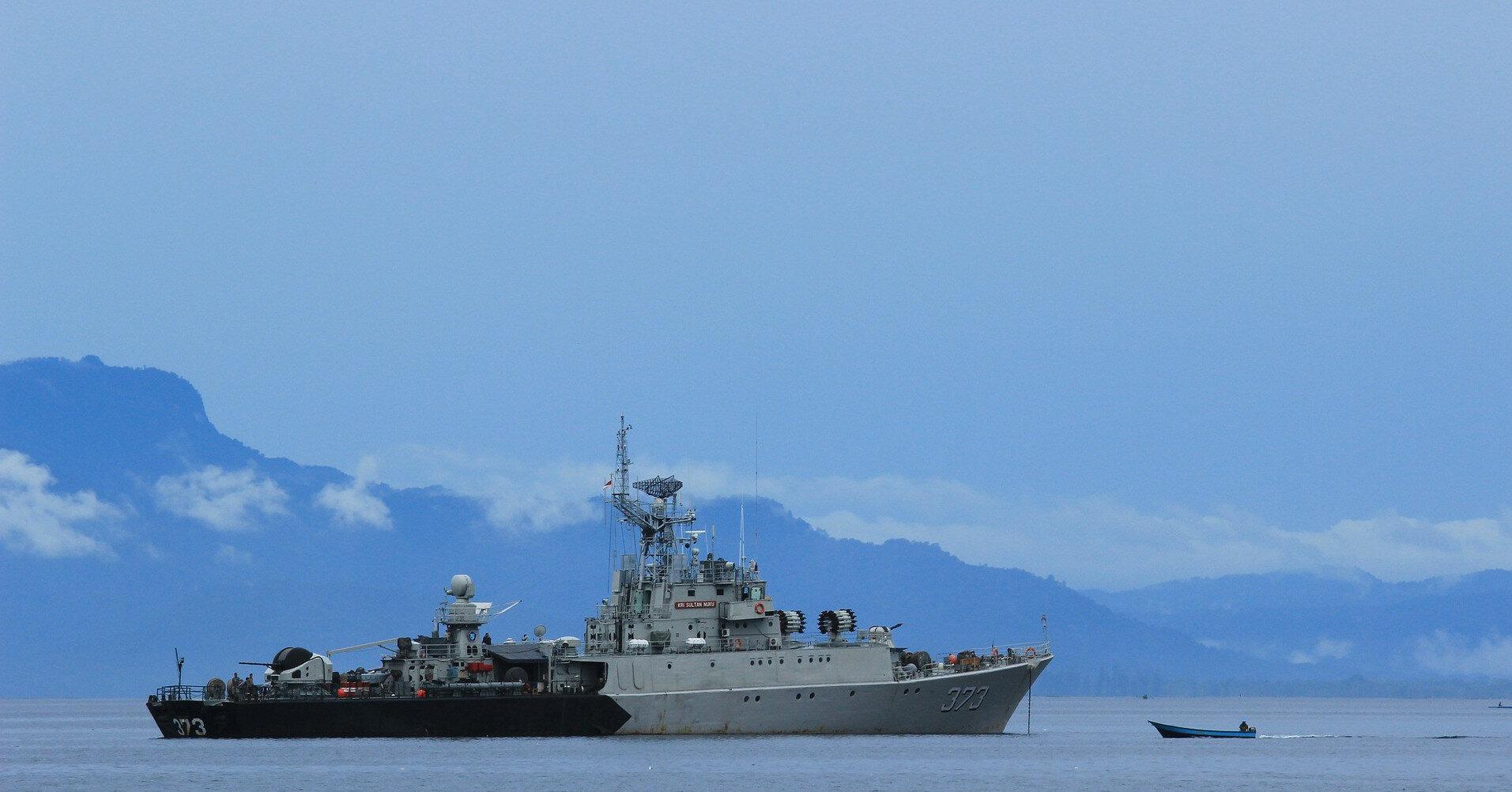 Россия усиливает группировку кораблей в Черном море на фоне учений Sea Breeze