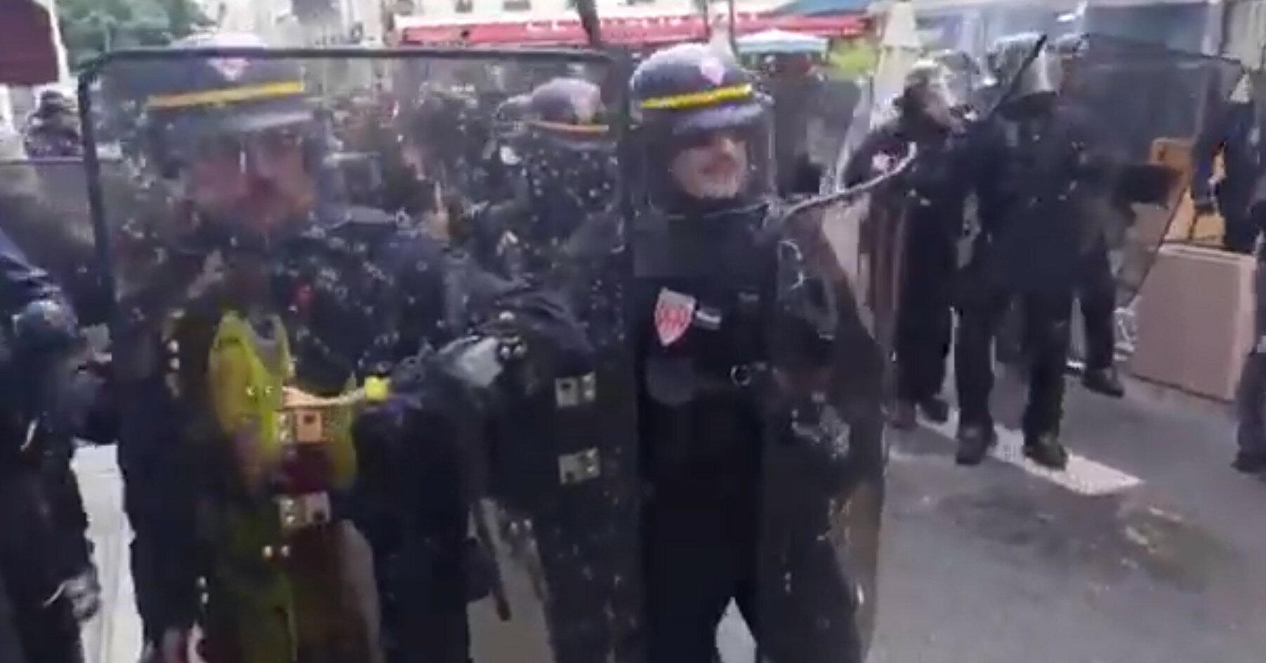 Во Франции протестуют против санитарных пропусков