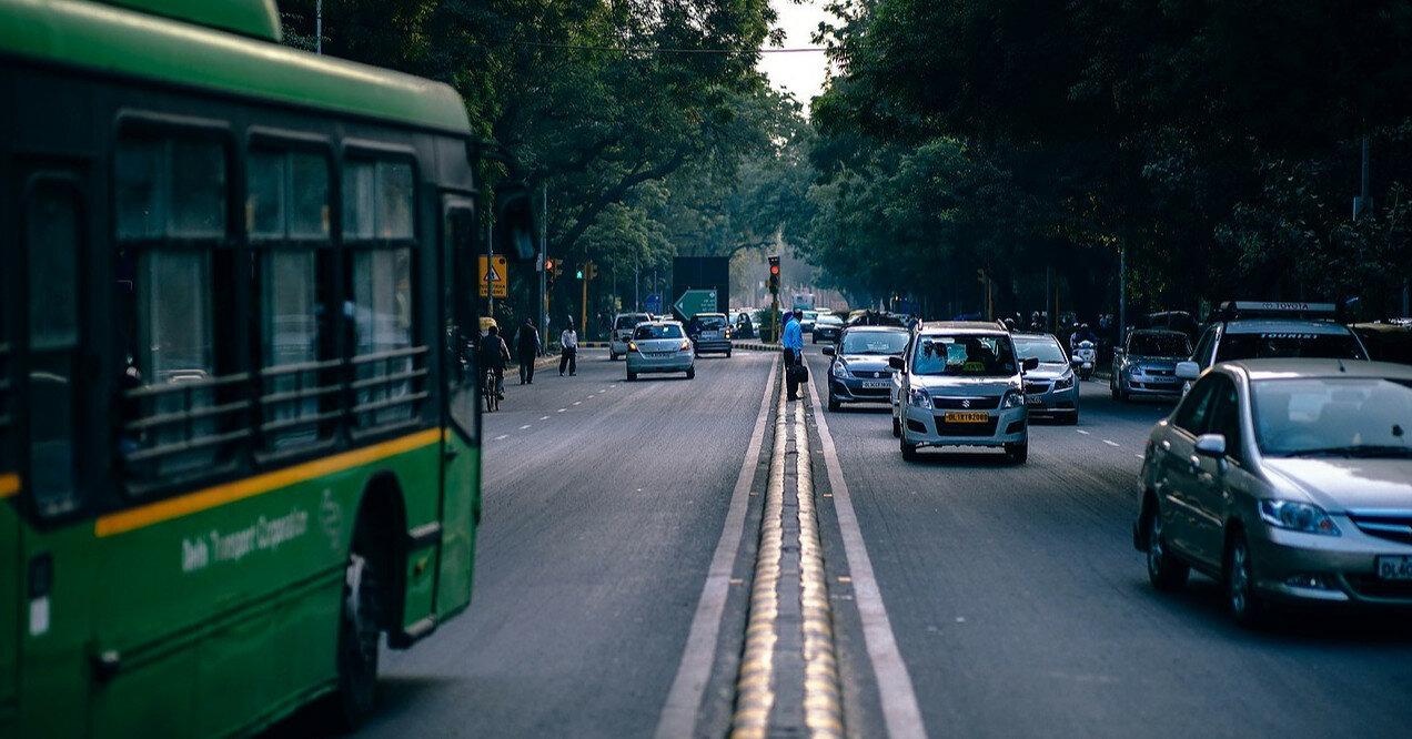 Когда водитель может игнорировать требования дорожных знаков