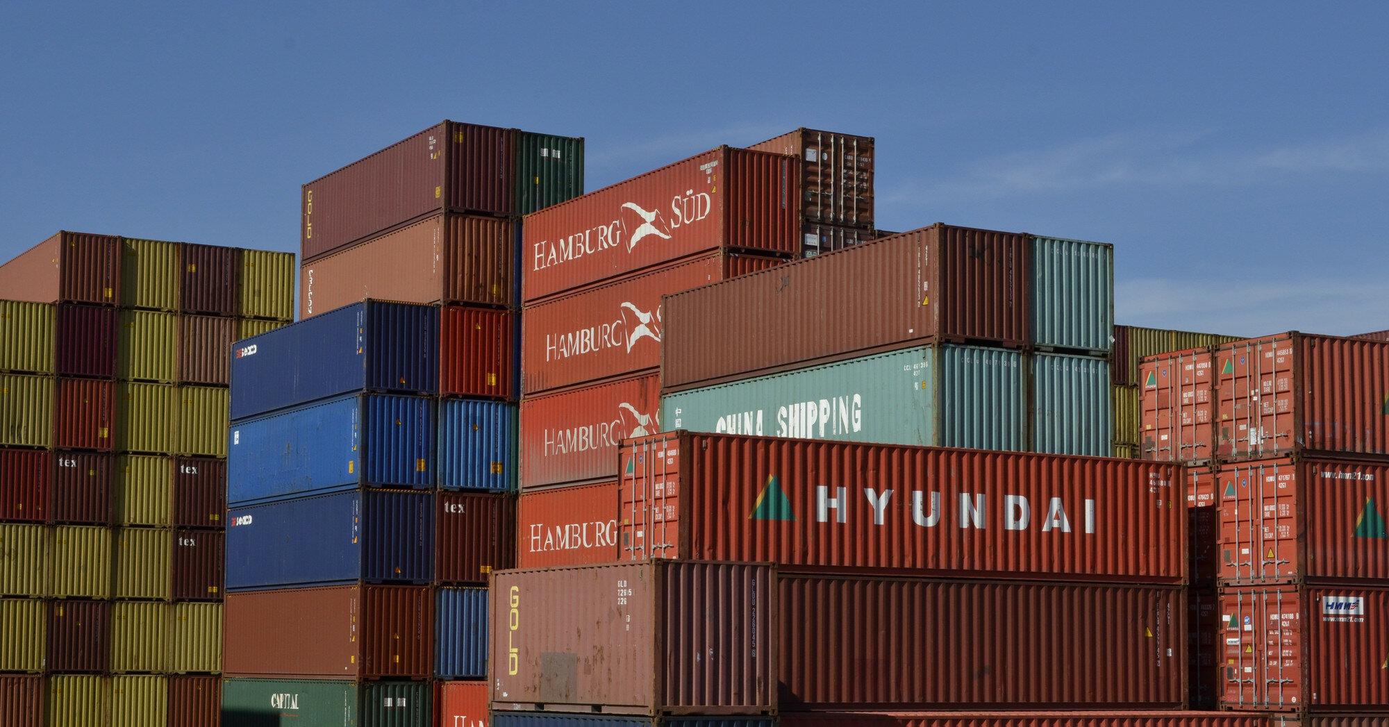 Украинские порты сократили перевалку зерна почти на четверть