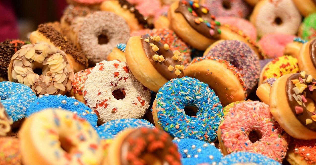 Почему постоянно хочется сладкого: причины