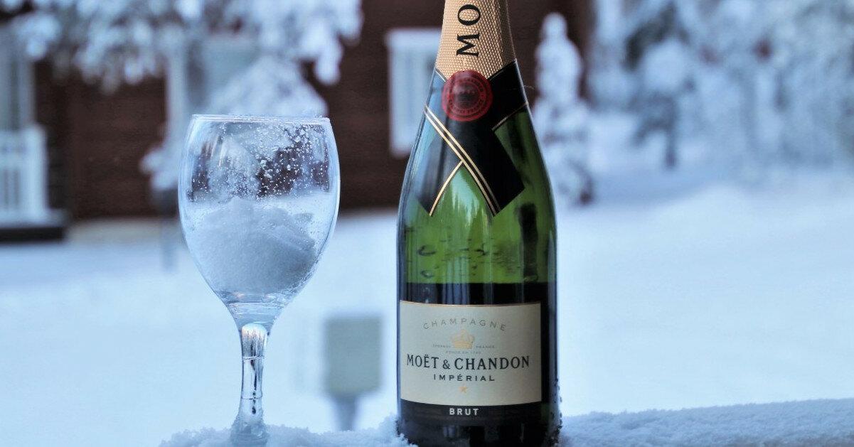 Во Франции призвали защитить от РФ шампанское