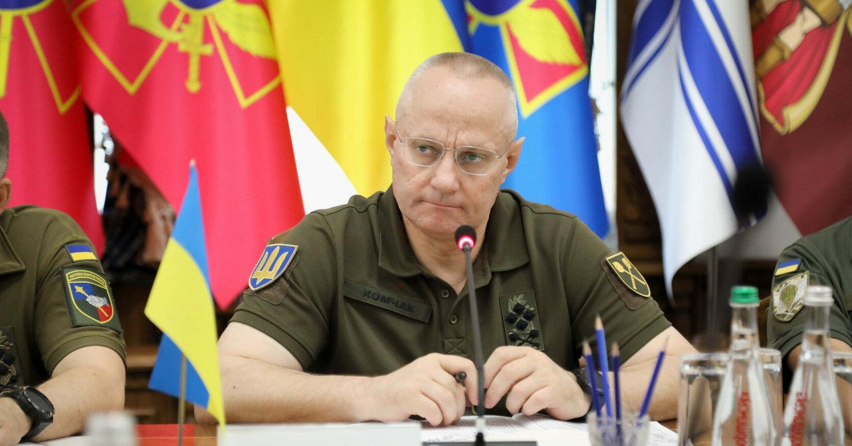 Арестович назвал причину увольнения Хомчака и командиров ВСУ