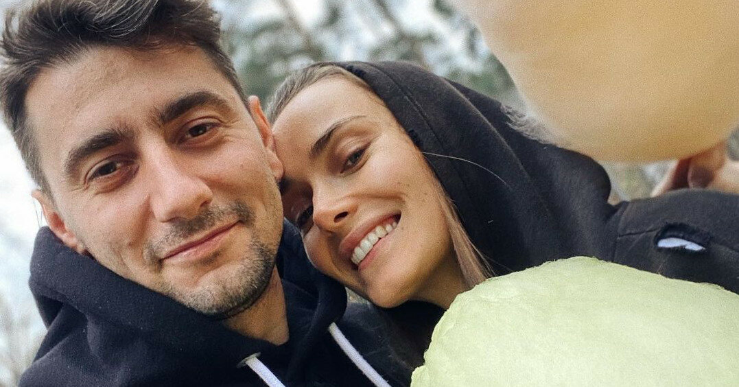 Эллерт поздравил Мишину с годовщиной романтичным видео