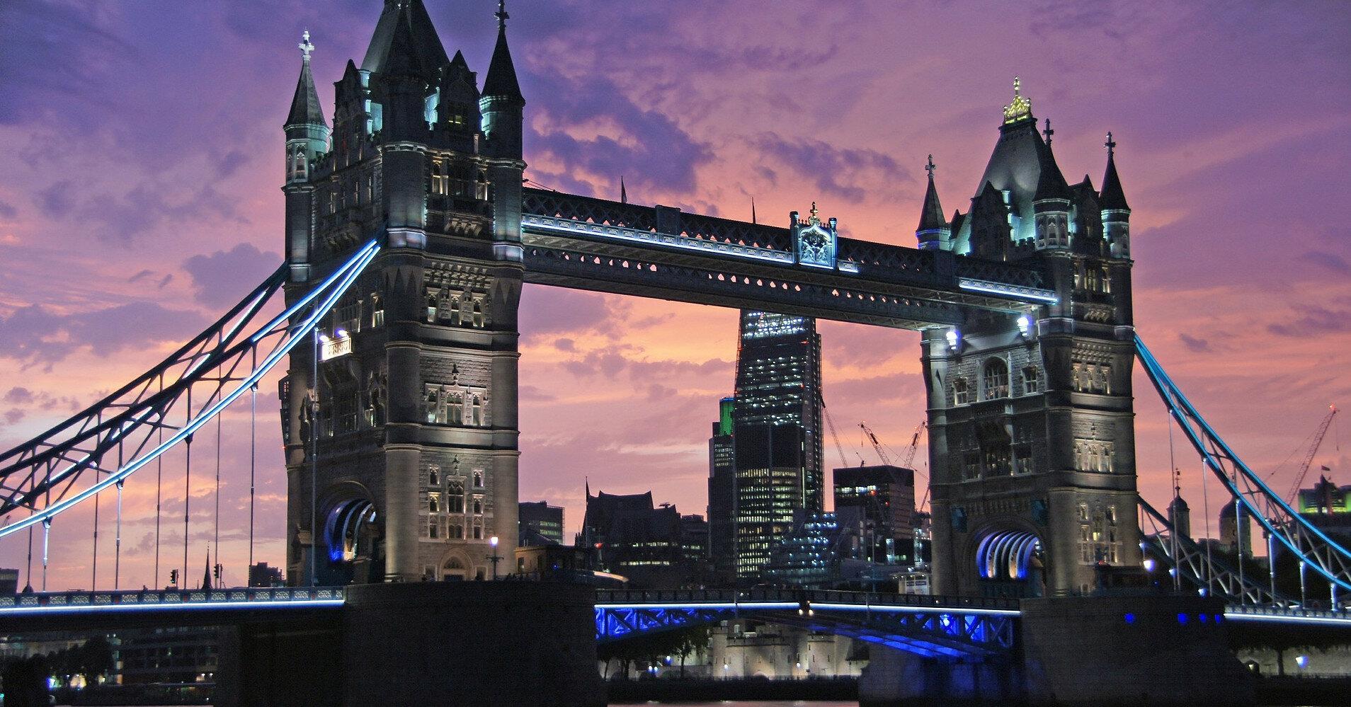 В Лондоне поломался всемирно известный Тауэрский мост