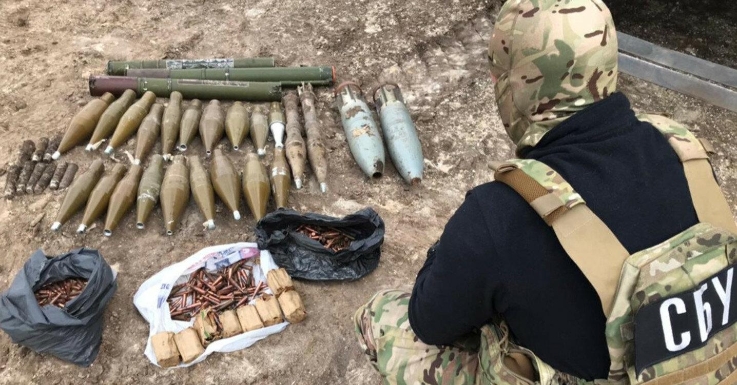 """В """"ЛНР"""" с начала года обнаружено более 40 схронов с боеприпасами"""