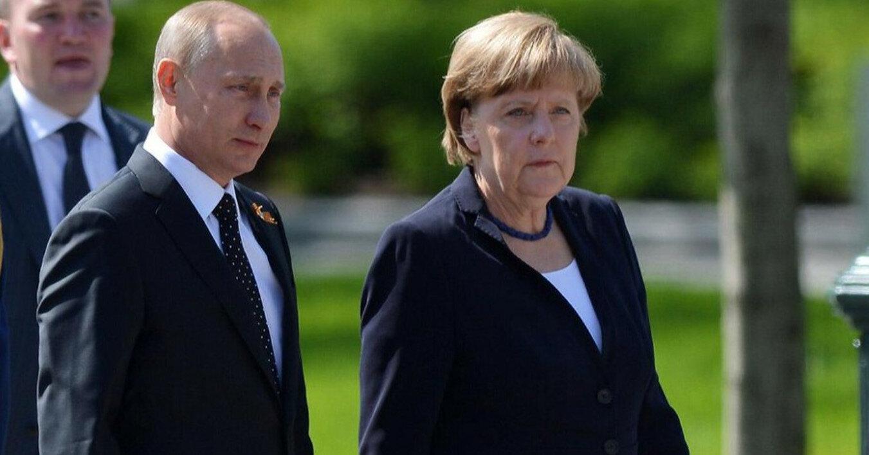 """Путин попросил Меркель """"надавить"""" на Киев"""