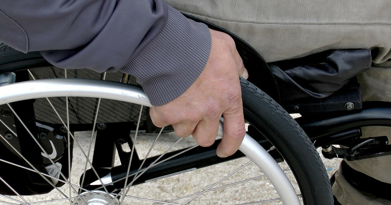 Зеленский подписал закон о помощи людям с инвалидностью