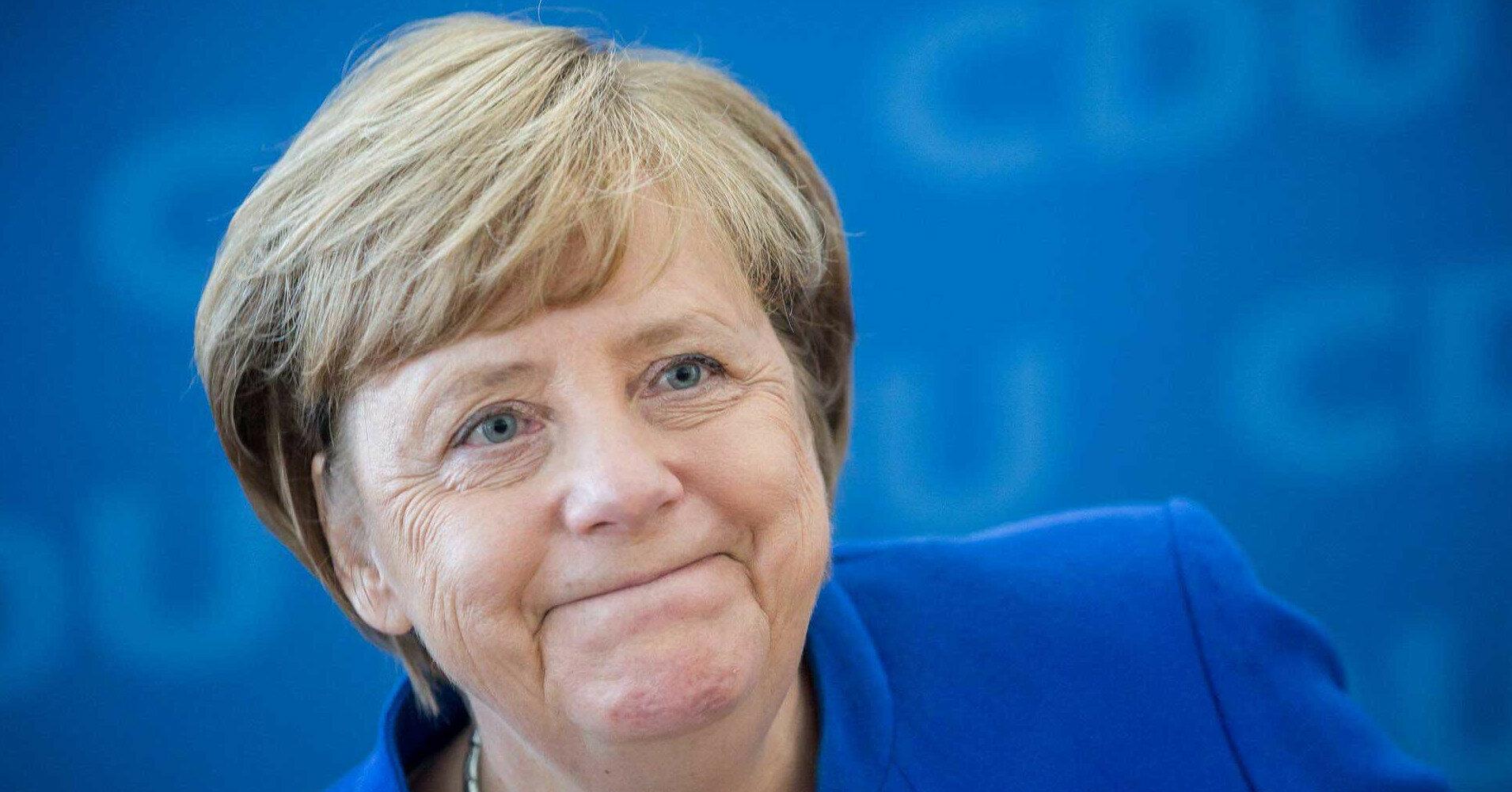 """Меркель объяснила свое отсутствие на """"Крымской платформе"""""""