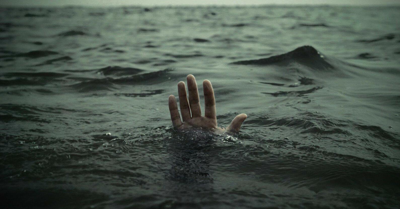 В Херсонской области в море пропали отец и сын