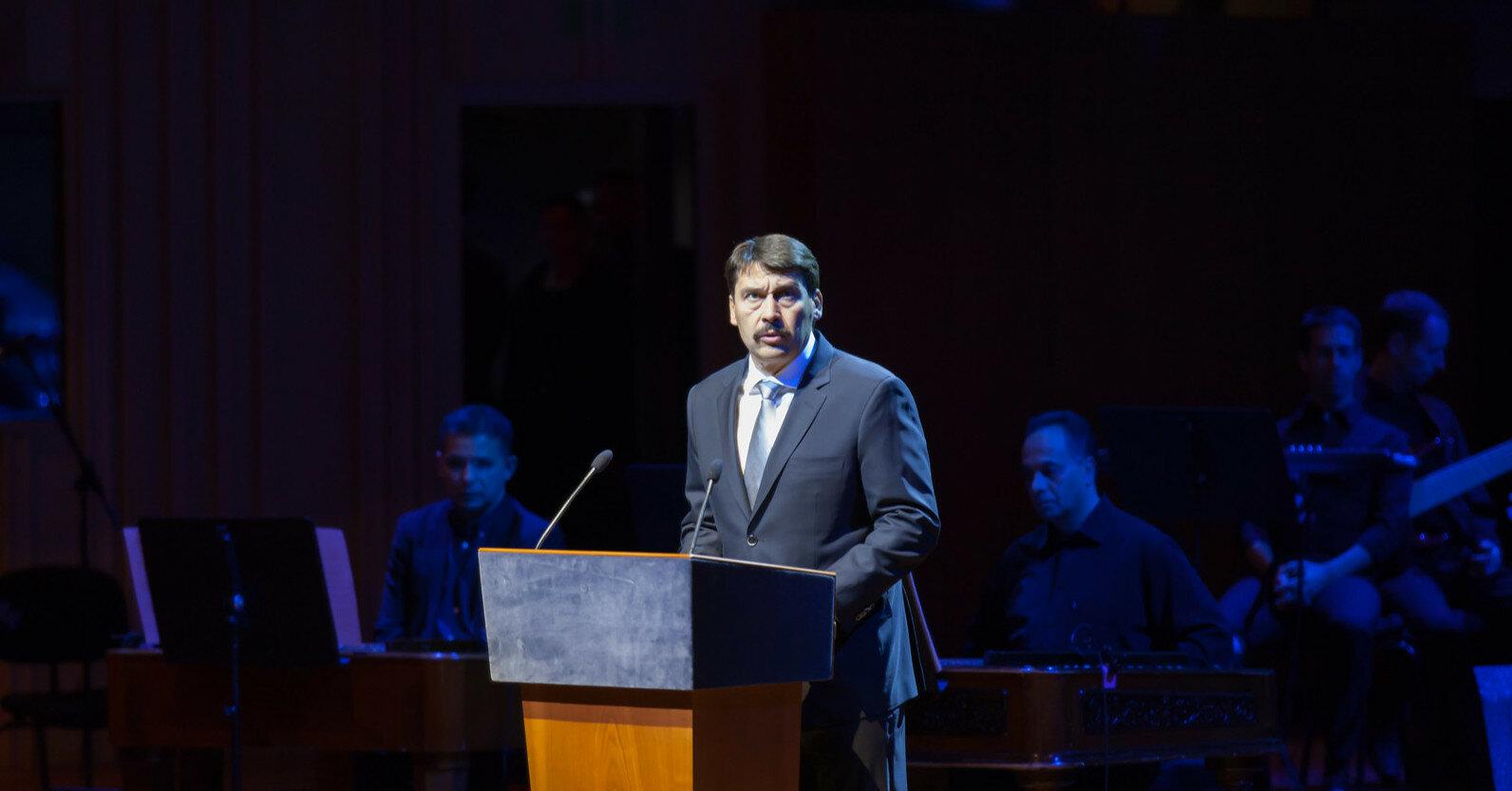 Президент Венгрии напомнил о проблемах венгров в Украине