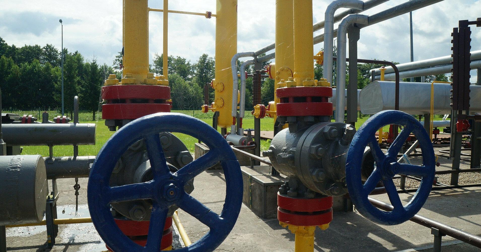 Украинские газовые хранилища наполовину пусты