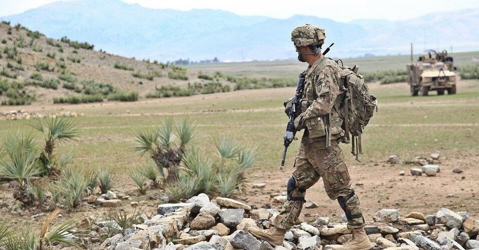 Жители Афганистана начали сдавать города талибам без боя