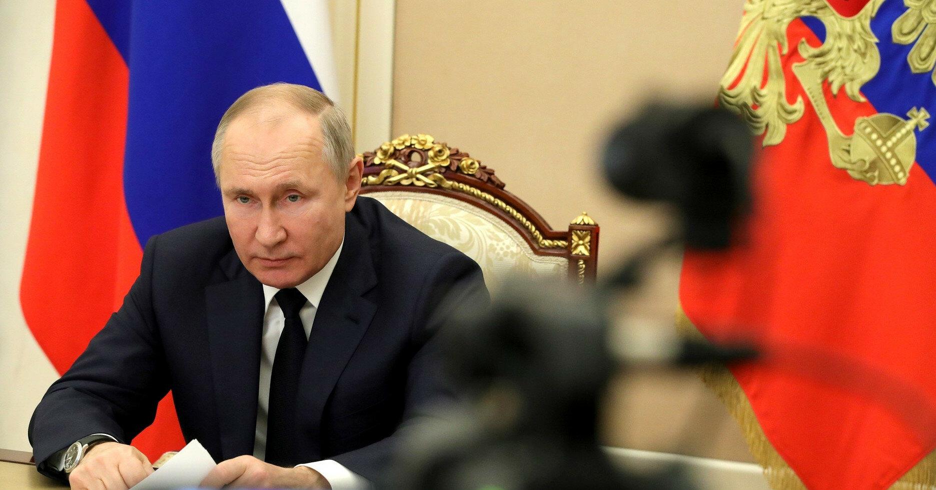 Путин обвинил Украину в нарушении минским соглашениям